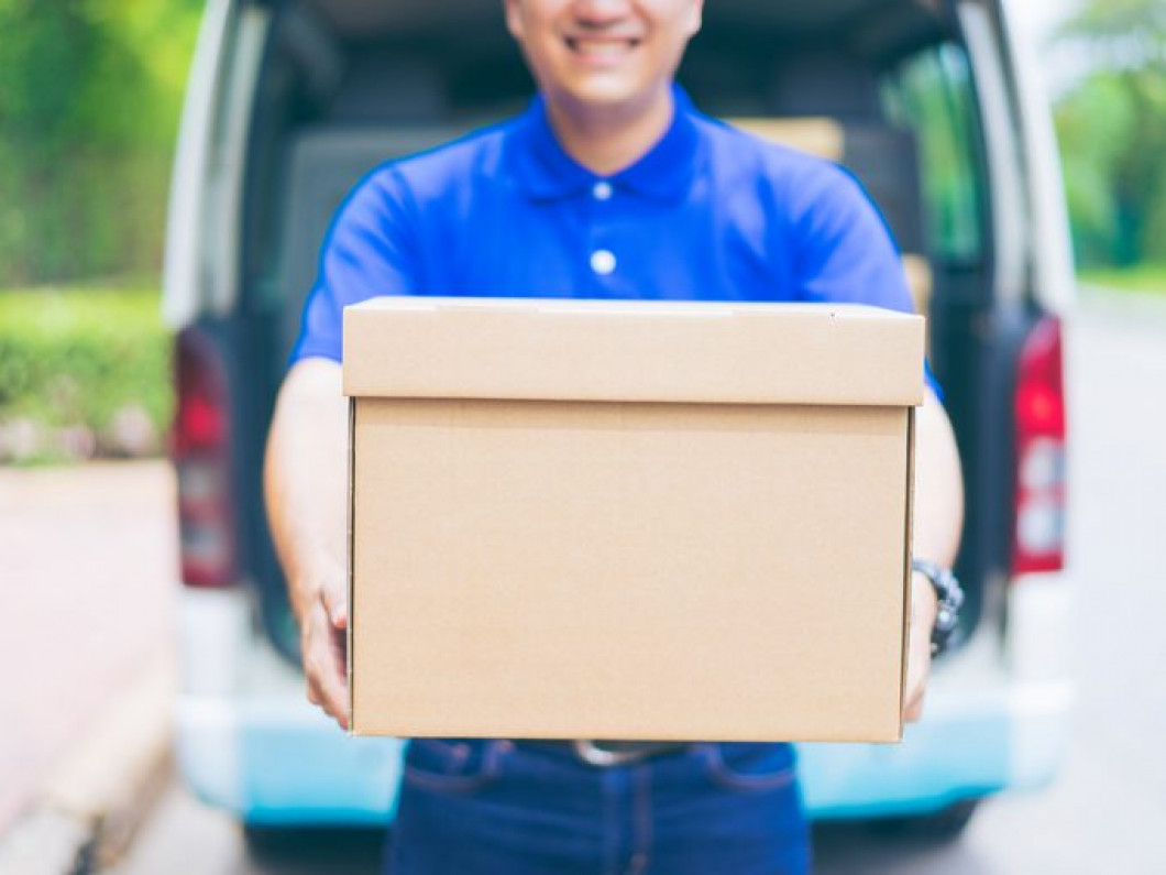 3 reasons to hire commercial movers to pack up your office